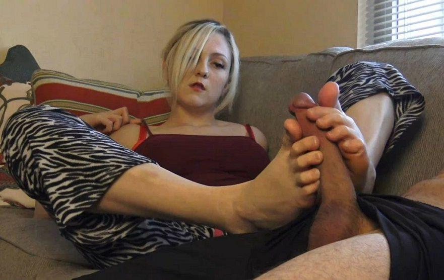 aincest - 3907 Courtney Scott Sisterly Footjob