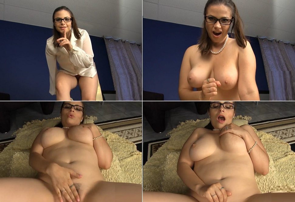 aincest - 3942 Kelle Martina Sex with Mommy.mp4