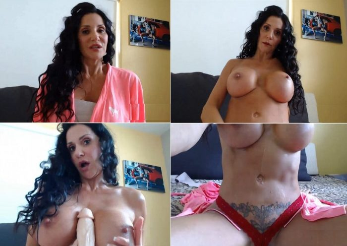 iibutt3rflyforu-mommys-new-double-ds-get-jizzed-on-by-her-son-hd