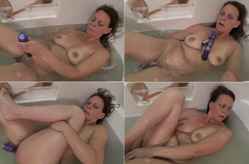 aincest - 5619 Diane Andrews Moms Naughty Bath.mp4