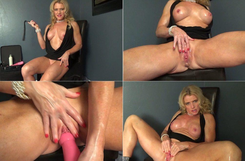 Amanda verhooks and sexy vanessa dildoing each other
