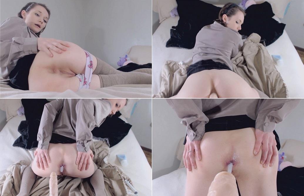 Desi nude cleavage