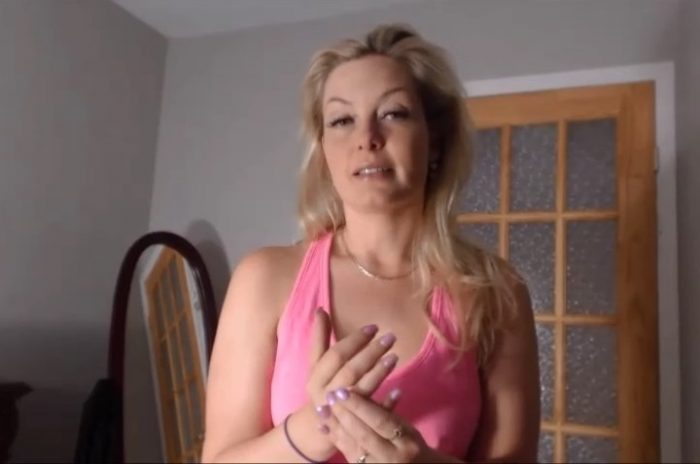 iafamilymissbehavin26-blackmail-your-mother-mom-in-law-sd-manyvids-com-2017icsi