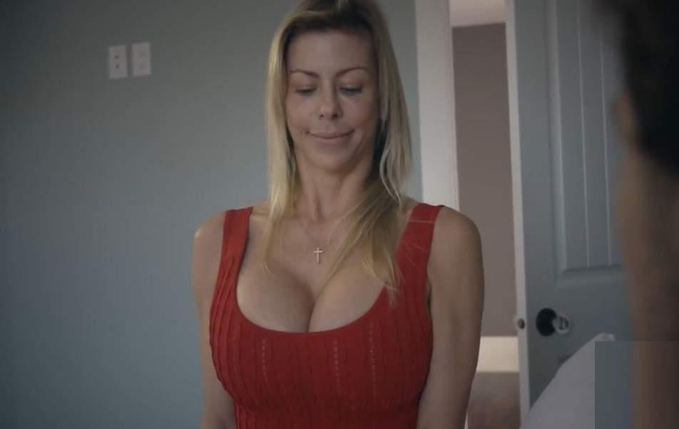 Carmella bing nude modeling