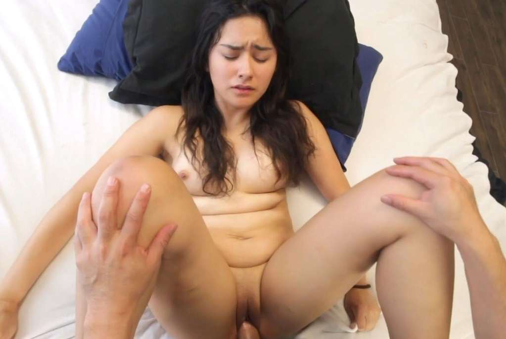 YouthLust – Charlotte – 18 yo Daughter Virgin Defloration FullHD mp4 [Mexican / Mexico/1080p/2018]