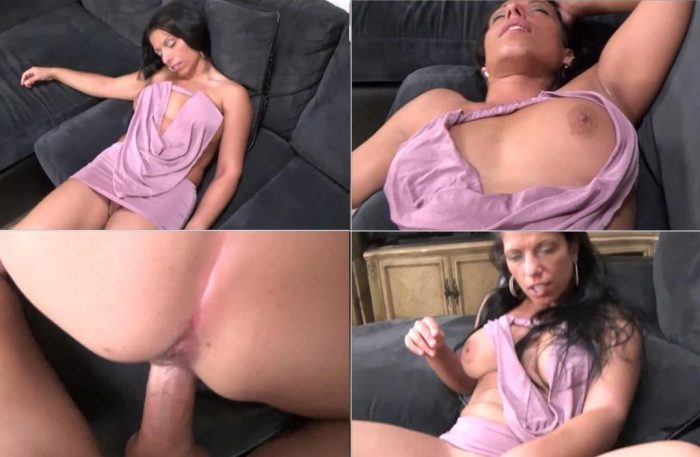 family-therapy-alexis-rain-merry-christmas-from-mother-mom-wants-creampie-for-christmas-full-version-hd-mp4t