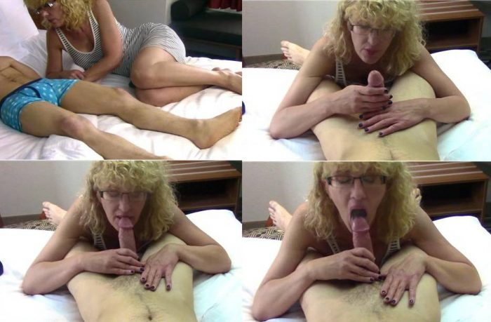 Webcam Family Porn – Cum for Mommy – Mom Doesn't Care If Your Dick is Sore FullHD mp4 [1080p/2018]