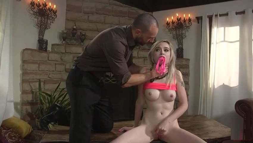 Kink Family Sex And Submission – Lexi Lore – Niece's Favorite Uncle SD mp4 Incest 2019
