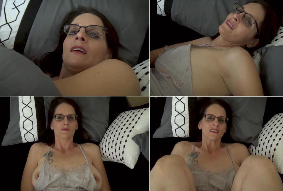 Fifi Foxx Fantasies Christina Sapphire – Keeping Mommy Warm: Mom And Son Cuddle