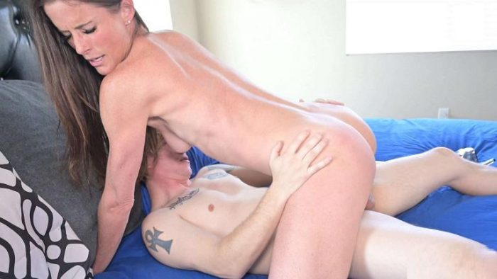 Grounded Son Jason gets off restriction - Sofie Marie - Manyvids 4k Porn