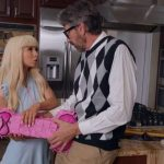 Steve Holmes, Kenzie Reeves – Peen-ata Pounding – Daddy test my Ass SD mp4