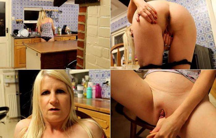 Mommy's Special boy - Fucking Mummy - Miss Horny Ass FullHD 1080p