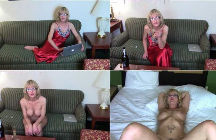 Cum for Mommy - A Step-Mother's Love is the Purest Love Valentine's Day FullHD 1080p