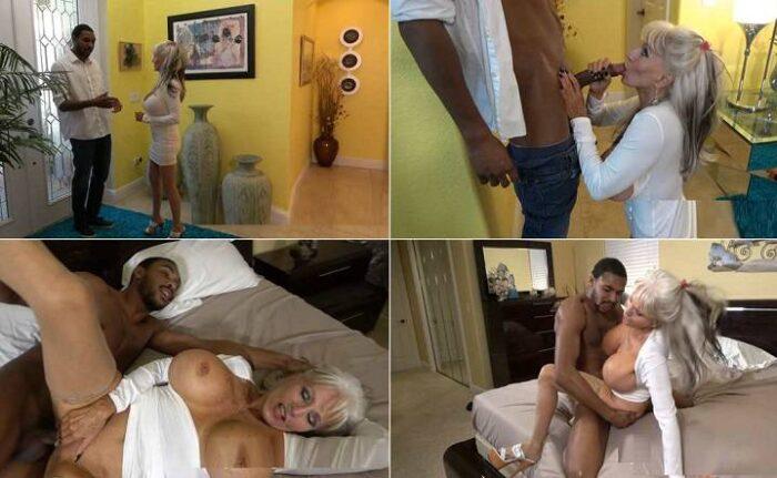 City Girlz Productions - Sally D'angelo, Stephen Hardwood - My Roommate's Step-mom FullHD 1080p